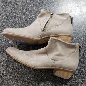 "Paul Green Munchen Soft Leather Side Zip Heel 1.5"""